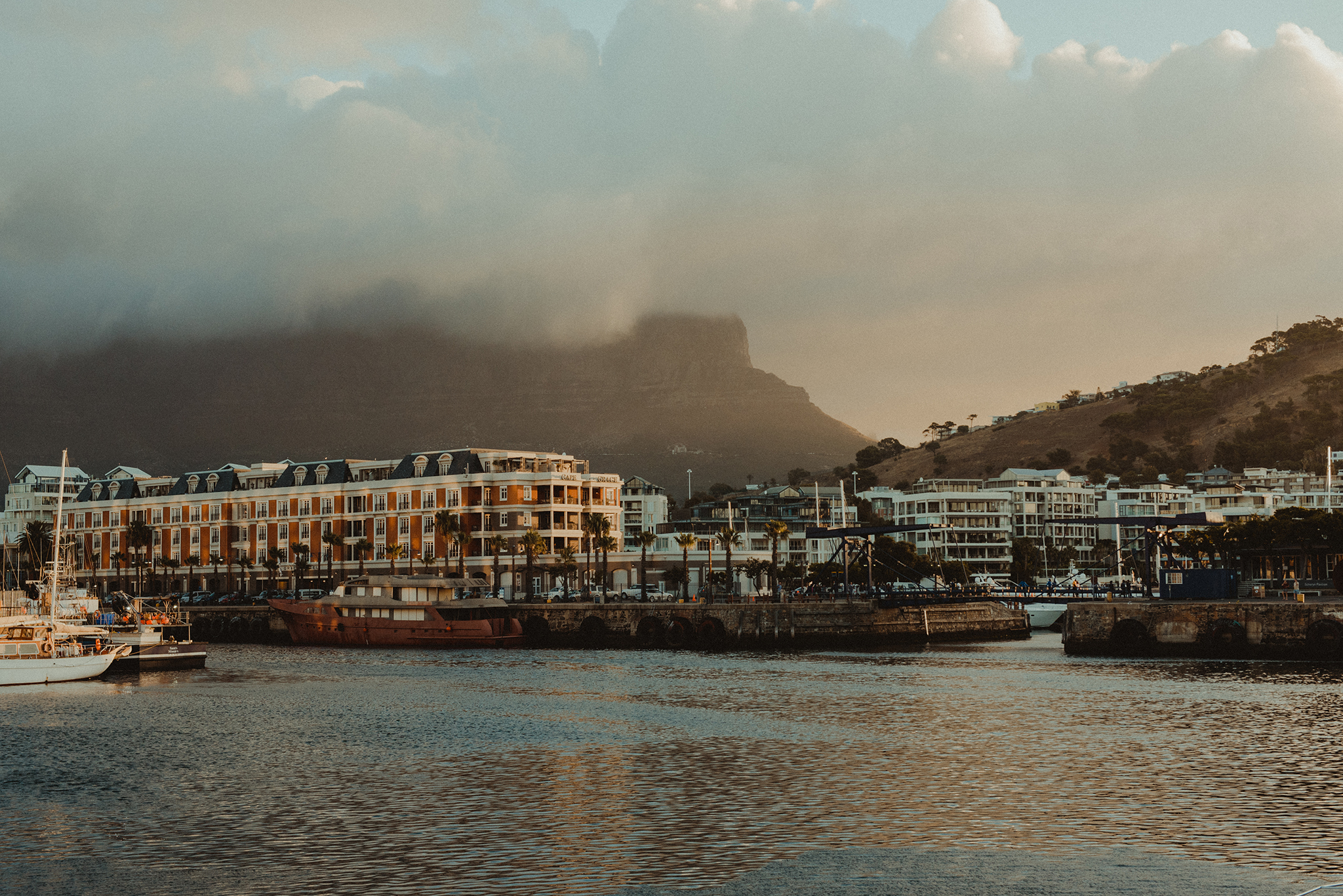 Table Mountain from V&A Waterfront by Polina Ilieva Photography